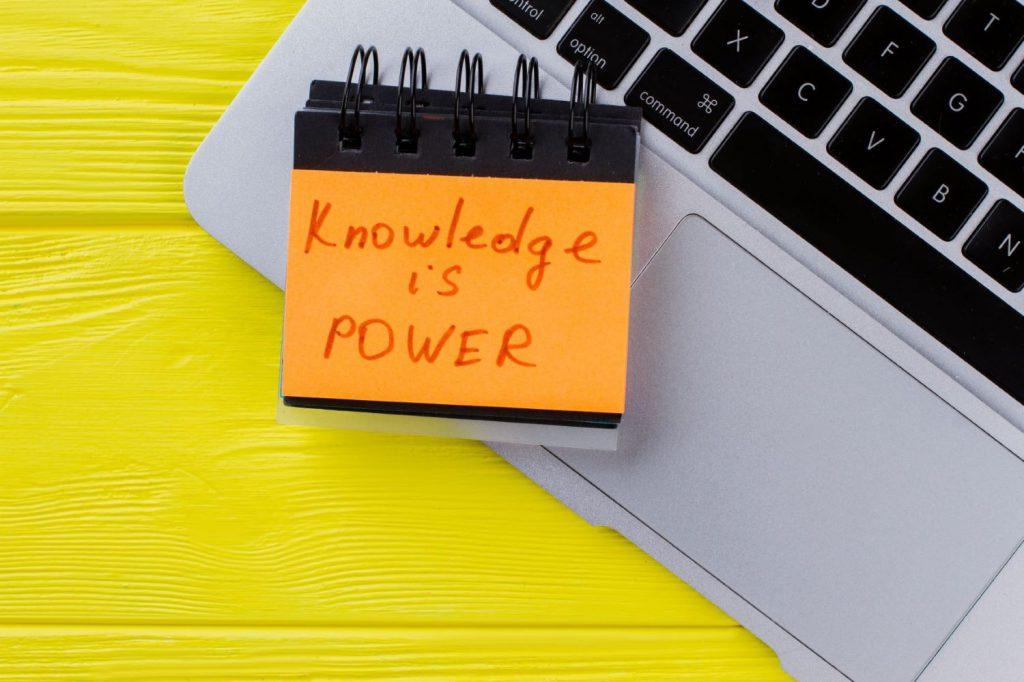 Wirtualna Asystentka Jak zdobywać rzetelną wiedzę o biznesie?
